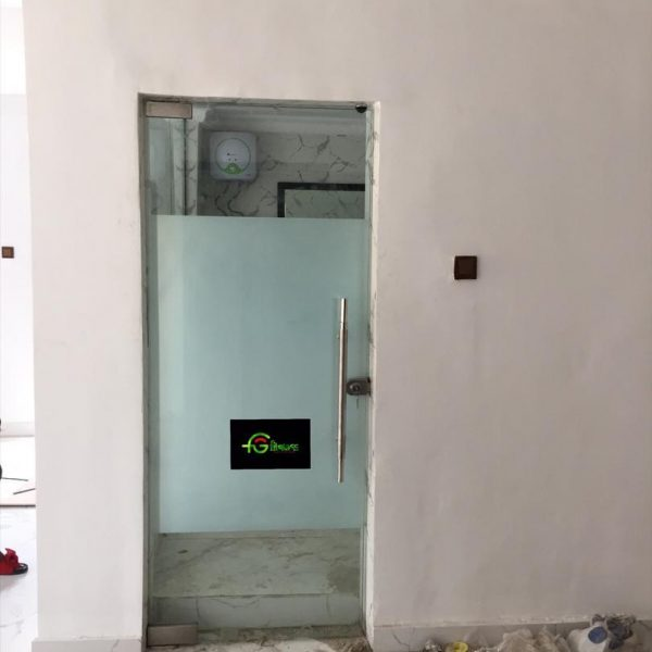 38 SHOWER CUBICLES AND FRAMELESS DOORS FITGLASS PROJECT