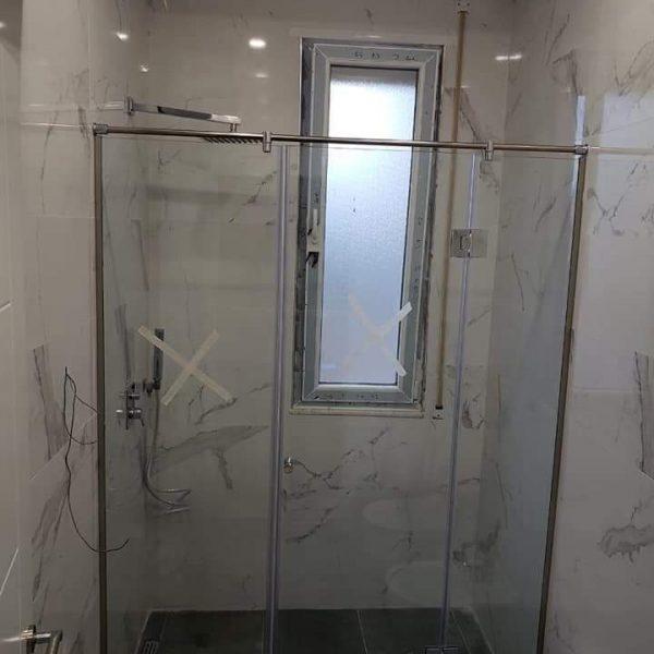 38 SHOWER CUBICLES AND FRAMELESS DOORSfitglass proejct 5