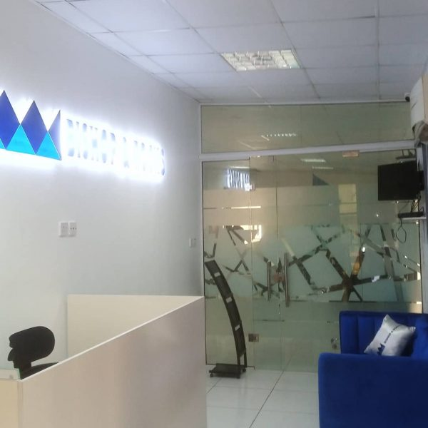 ALUMINUM OFFICE GLASS PARTITION, LOFTY HEIGHT FITGLASS PROJECT 1