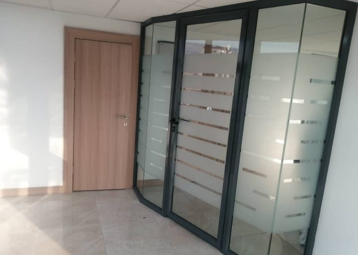 ALUMINUM SWITCHABLE GLASS PARTITION FITGLASS PROJECT 1