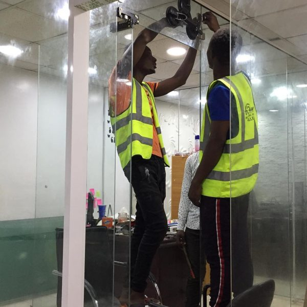 FRAMELESS GLASS PARTITION DELPHI METALS FITGLASS PROJECT 1