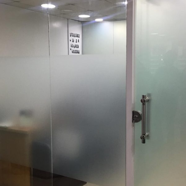 FRAMELESS GLASS PARTITION DELPHI METALS FITGLASS PROJECT 7